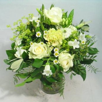 White bouquet: deliverable worldwide